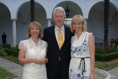 Con Clinton